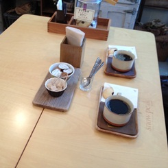 Pコートとサイザルバッグとoneday cafe。_a0164280_311312.jpg