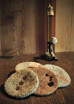 カフェのコースターの衣替え&週末スイーツのご案内_f0077789_20551370.jpg