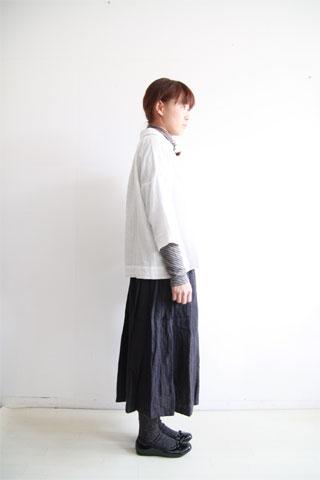 ガーゼシャツとリネンのスカート_f0215708_1521111.jpg