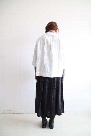 ガーゼシャツとリネンのスカート_f0215708_1522097.jpg