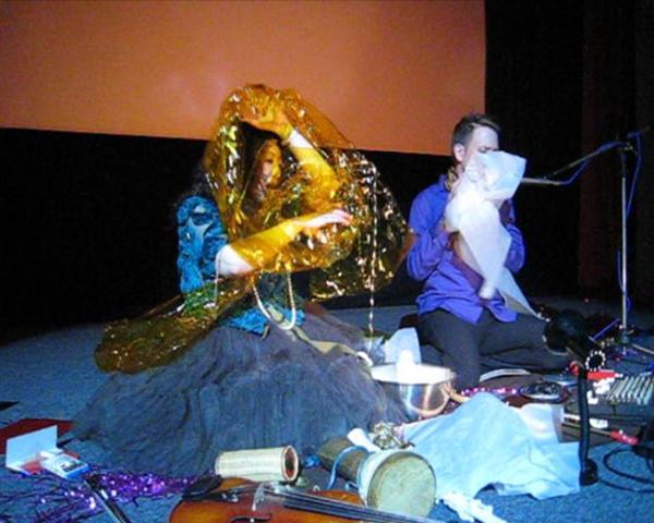 ユミ&ガイ・ハリーズ丑三時の映画館ライヴ終了 ビデオと写真_c0129545_23282461.jpg