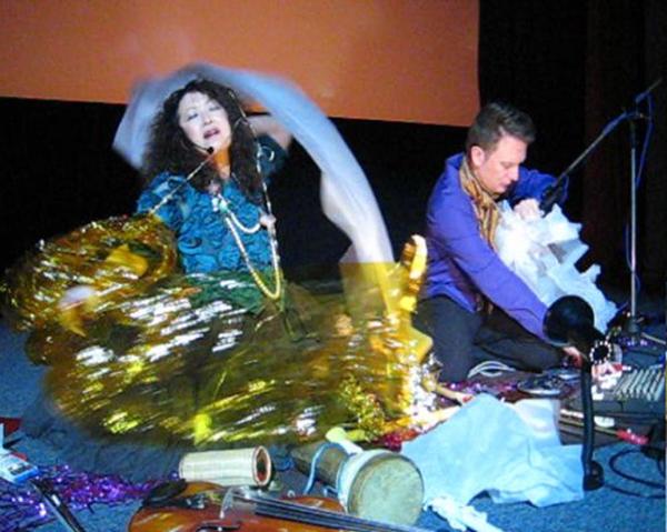 ユミ&ガイ・ハリーズ丑三時の映画館ライヴ終了 ビデオと写真_c0129545_2328824.jpg