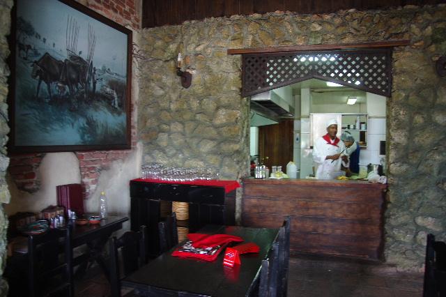 キューバ (71) レストラン El Barracon で休憩。そして空港へ_c0011649_10591.jpg