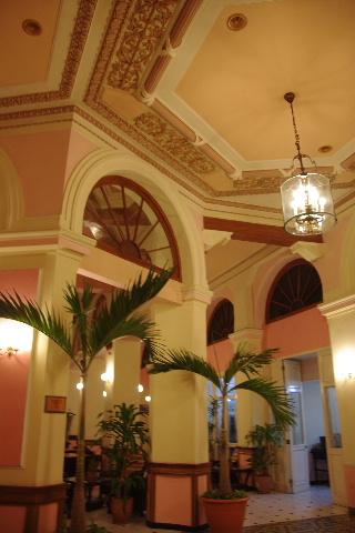 キューバ (75) ハバナのホテル・プラザ Hotel Plaza_c0011649_23161523.jpg