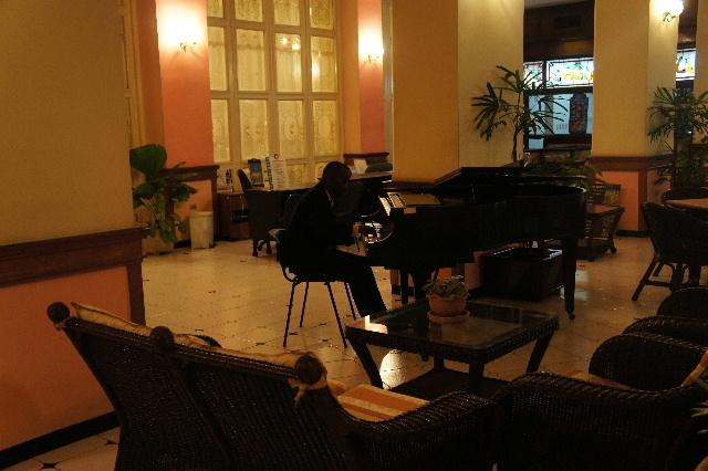 キューバ (75) ハバナのホテル・プラザ Hotel Plaza_c0011649_23302529.jpg