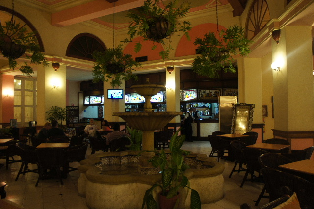 キューバ (75) ハバナのホテル・プラザ Hotel Plaza_c0011649_23352426.jpg