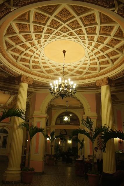 キューバ (75) ハバナのホテル・プラザ Hotel Plaza_c0011649_2337582.jpg