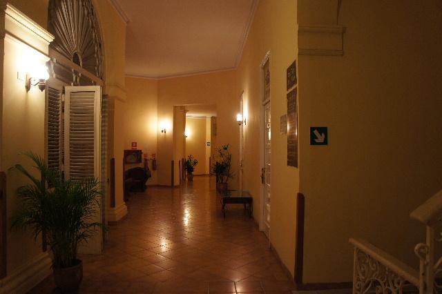 キューバ (75) ハバナのホテル・プラザ Hotel Plaza_c0011649_2345334.jpg