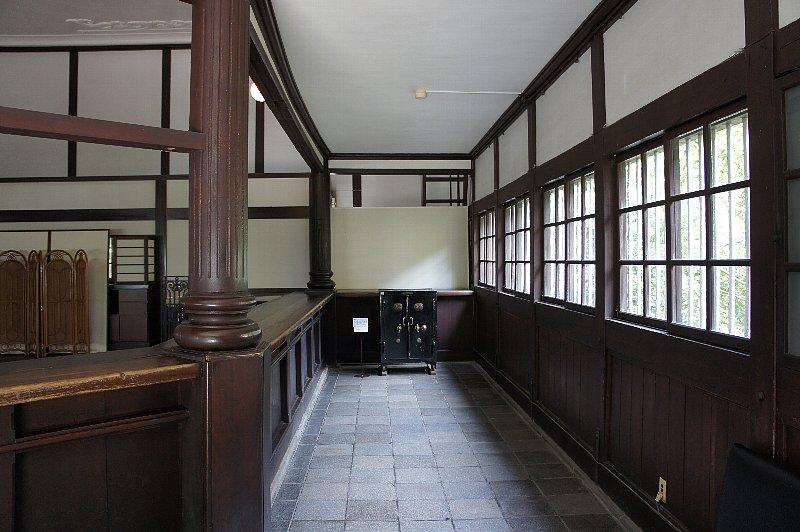 博物館明治村 安田銀行会津支店_c0112559_915651.jpg