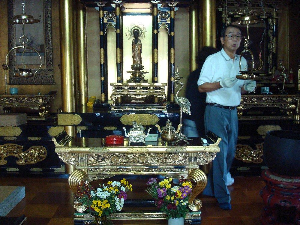 お寺の奉仕作業_e0087201_17524777.jpg