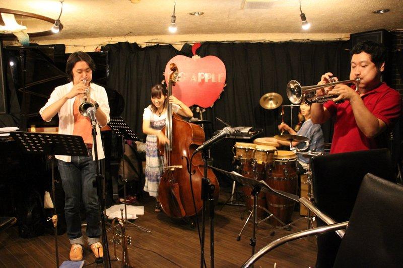 THE TOMOMI AZUMA TRIO「屋久島組l曲」発売記念ライブがあったり。_f0042307_0332454.jpg