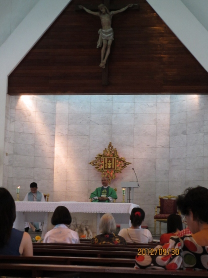 カトリックキリスト教会に礼拝に行ってきました_b0100062_1914428.jpg