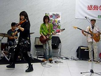 カラフルの仲間が、MCT(ミュージックシティ天神)に参加しました。_e0188087_2239675.jpg
