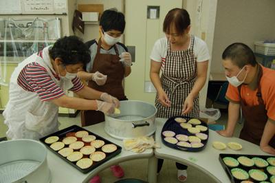 9/28蒸しパンとバナナジュースを作りました!_a0154110_8284629.jpg