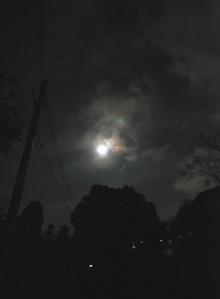 一日遅れの中秋の名月_e0103024_2325464.jpg