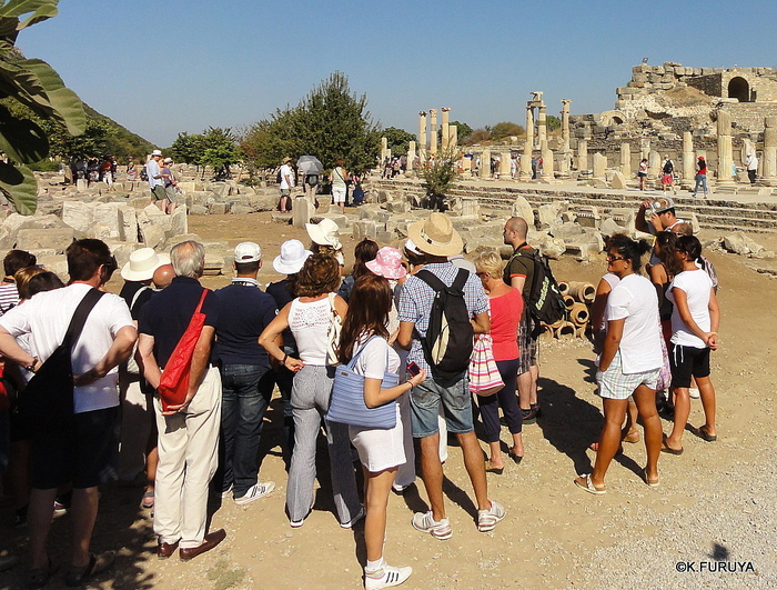 トルコ旅行記 4  古代遺跡 エフェス_a0092659_1748849.jpg