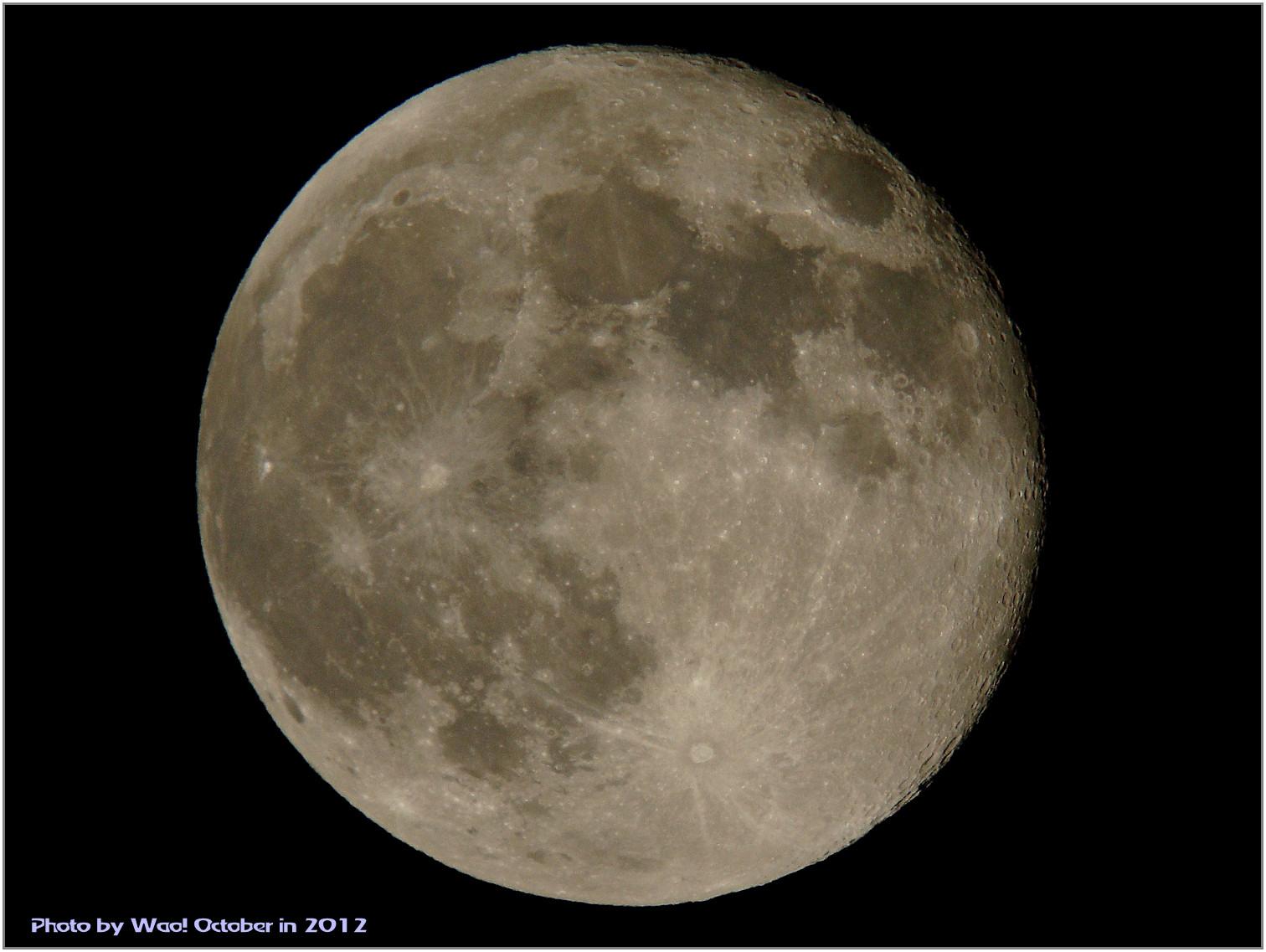 中秋の名月翌日の月_c0198669_23325349.jpg