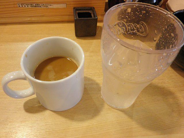 回転寿司 とト屋    江坂店_c0118393_19334737.jpg