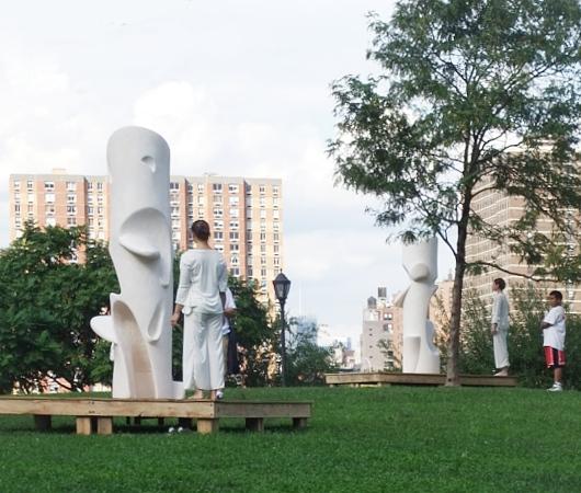 NYのアートフェスティバルで恒例のアートとダンスの融合パフォーマンス_b0007805_12441642.jpg
