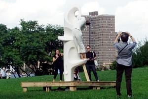 NYのアートフェスティバルで恒例のアートとダンスの融合パフォーマンス_b0007805_12443761.jpg