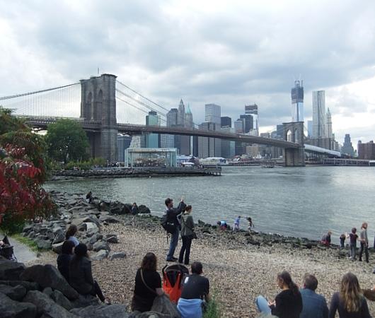 NYのアートフェスティバルで恒例のアートとダンスの融合パフォーマンス_b0007805_1245059.jpg