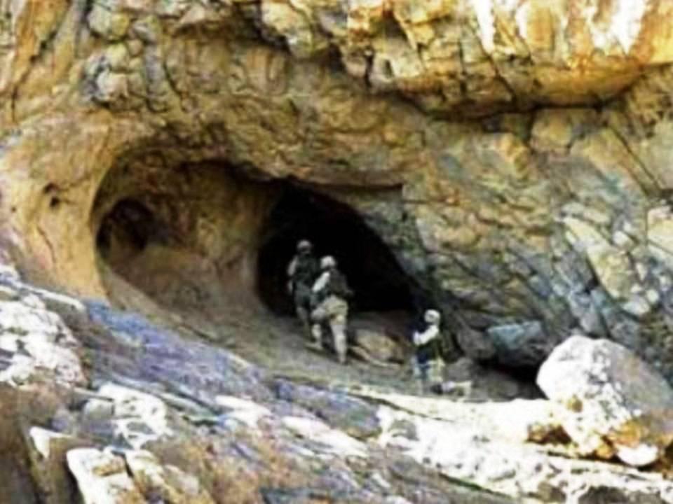 米軍、アフガンの洞窟で5000年前の「ヴィマナ」を発見!:伝説は真実だった!?_e0171614_18321470.jpg