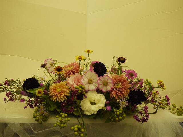 一会定期スクール9月 祭壇装花またはメインテーブル装花2_a0042928_18402166.jpg