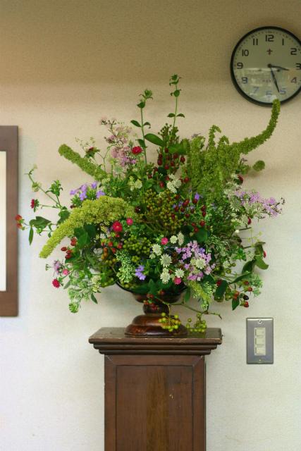 一会定期スクール9月 祭壇装花またはメインテーブル装花3_a0042928_18521627.jpg