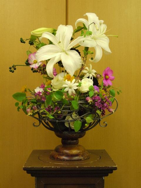 一会定期スクール9月 祭壇装花またはメインテーブル装花3_a0042928_18533366.jpg