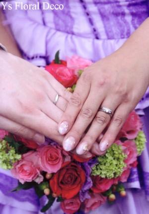 紫色のドレスに カラフルなクラッチブーケ_b0113510_13325322.jpg