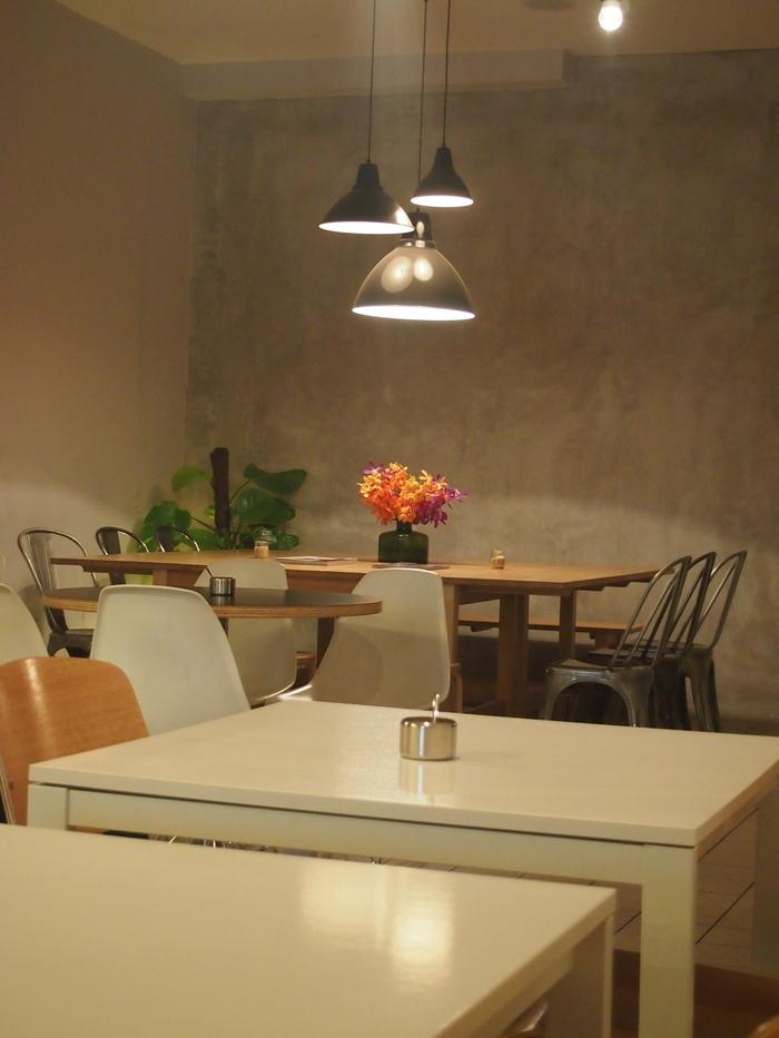 2012 6月 シンガポール 21  Tanjong Pagar のカフェ The Plain_f0062122_7335560.jpg