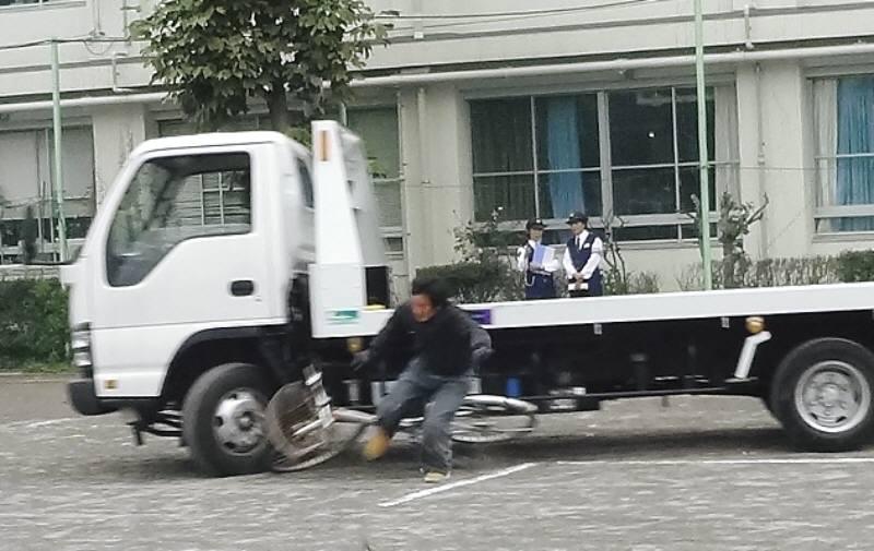 スケア―ド・ストレイト方式による自転車安全教室_f0059673_22464799.jpg