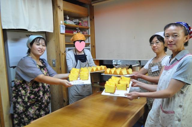 エビフライとかぼちゃコロッケ弁当~♪。&今日のお菓子教室_b0087822_1744124.jpg