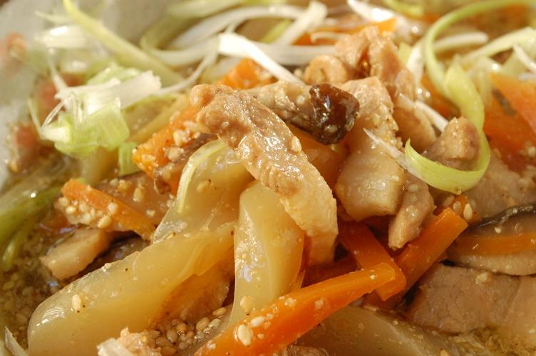 汁だく♪豚バラとこんにゃくとしいたけの簡単煮_d0104926_5153623.jpg