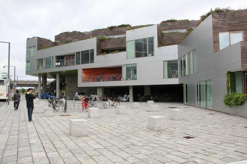 12北欧研修:オレスタッド・シティー4:VMハウス_e0054299_152045.jpg