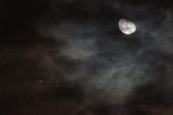 月と木星_b0049102_2348517.jpg