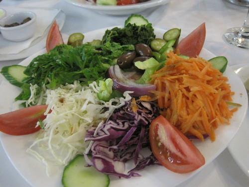 ギリシャのお料理は案外とてもおいしかったです。_e0131324_23322075.jpg