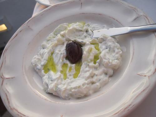ギリシャのお料理は案外とてもおいしかったです。_e0131324_23454477.jpg