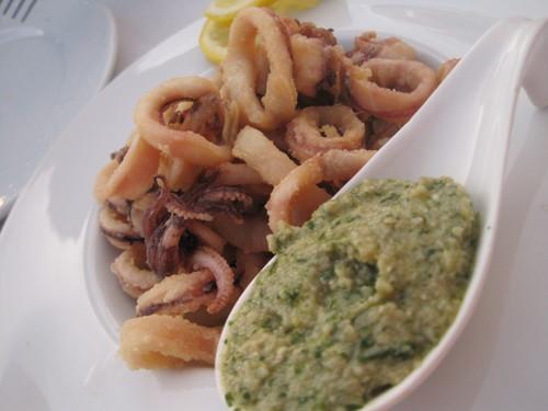 ギリシャのお料理は案外とてもおいしかったです。_e0131324_23471452.jpg