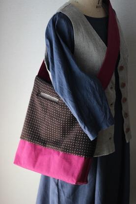 ウールと帆布のショルダーバック・・・♪_f0168730_13473477.jpg