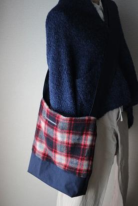 ウールと帆布のショルダーバック・・・♪_f0168730_13475483.jpg