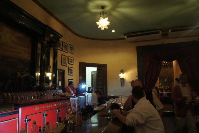 キューバ (76) ハバナ最後の夜は『Floridita』でダイキリを・・・_c0011649_02812.jpg