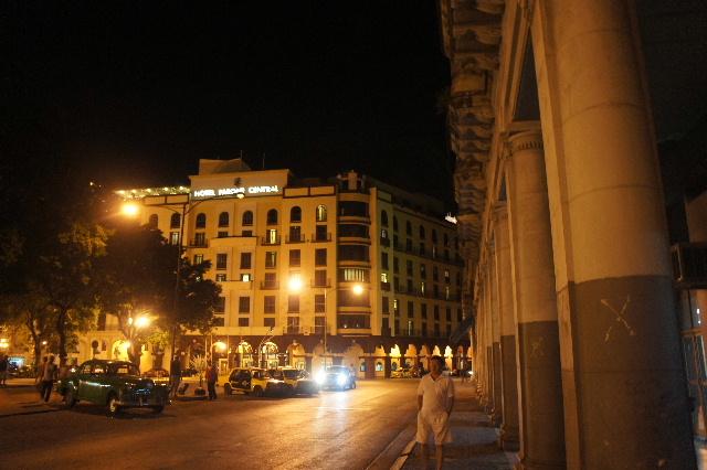 キューバ (76) ハバナ最後の夜は『Floridita』でダイキリを・・・_c0011649_0433333.jpg