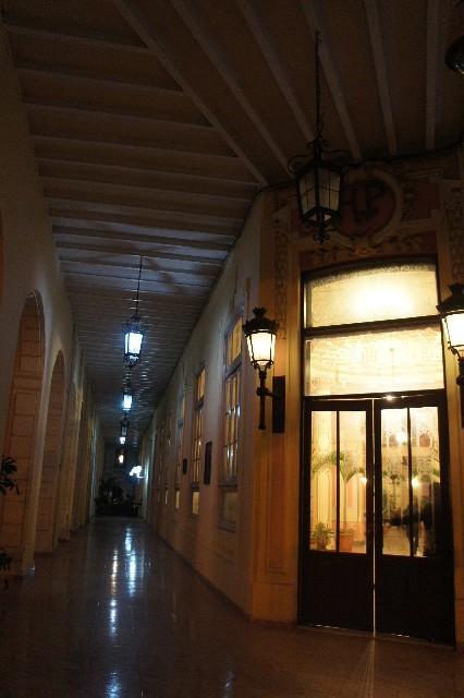 キューバ (76) ハバナ最後の夜は『Floridita』でダイキリを・・・_c0011649_0462114.jpg