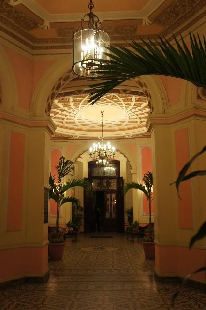 キューバ (76) ハバナ最後の夜は『Floridita』でダイキリを・・・_c0011649_0472453.jpg