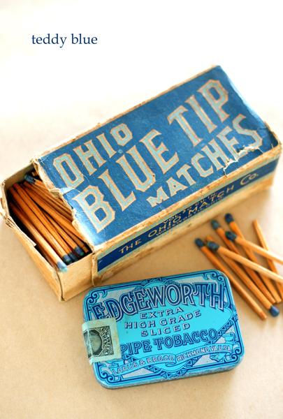 old tobacco tin & matches  昔のたばことマッチ箱_e0253364_1725082.jpg