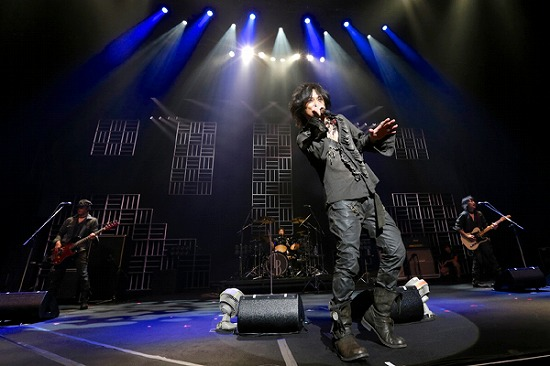 """17年ぶりT-BOLANらによる""""BEING LEGEND""""Live Tour 2012がついに開幕_e0197970_0245749.jpg"""