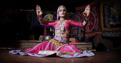 インドのベリーダンサー クイーンハリッシュ_c0043737_10414110.jpg