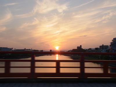 通りすがりの夕陽_b0067598_20532682.jpg