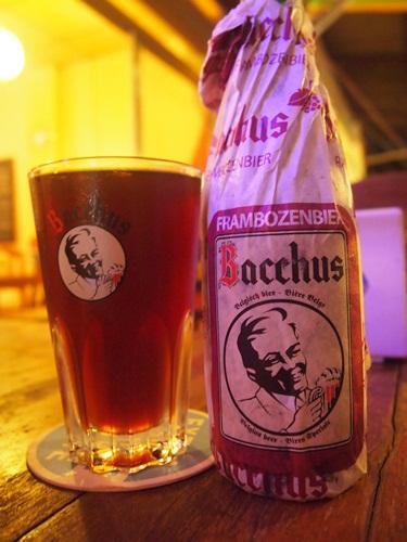 ラオスでベルギービール★_e0182138_2210131.jpg